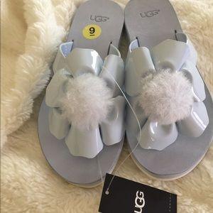 Ugg w Poppy baby blue flip flops size 9
